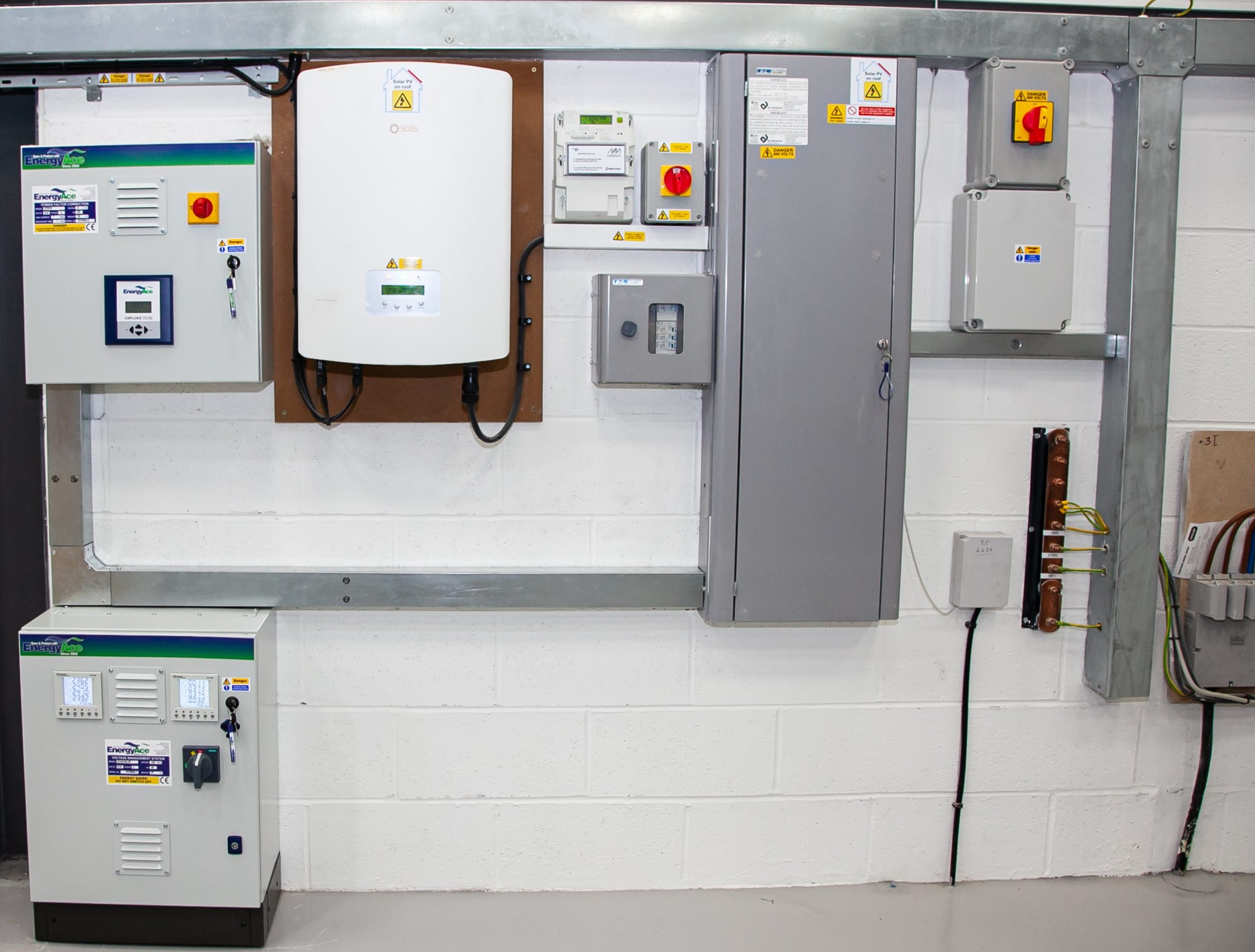 EnergyAce power factor correction and voltage optimisation